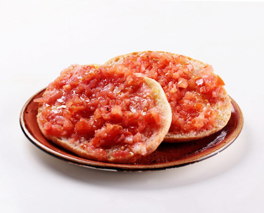 Desayuno molete integral con tomate La Boutique